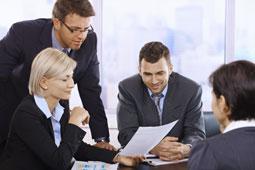 Arbeitszeugnis prüfen lassen - Gespräch