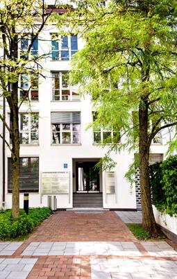 Eingang zur Kanzlei für Arbeitsrecht in München